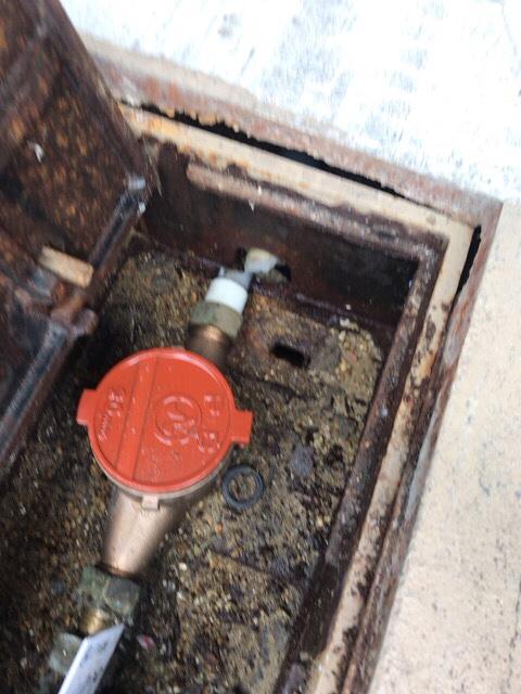 破裂 水道 修理 管